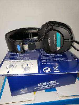 SONY HEADPHONE BRAND NEW for Sale in Stone Mountain, GA