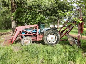 1955 600 tractor with backhoe for Sale in Tacoma, WA