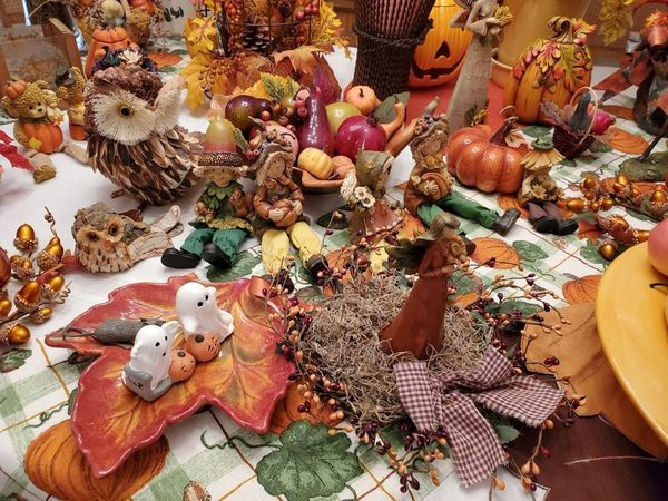 Huge fall harvest decorations lot