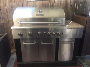 Masterforge 5 Burner Propane Grill for Sale in Moreno Valley, CA