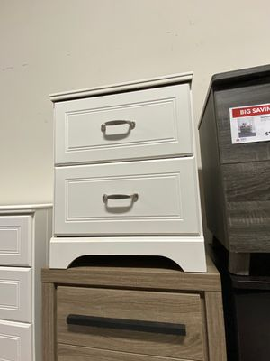 Nightstand, Antique White for Sale in Downey, CA