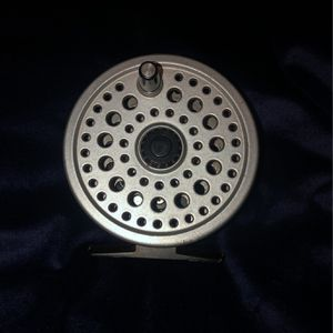 Ryobi Super Light Magnesium Fly Reel 335 Mg for Sale in Port Orchard, WA