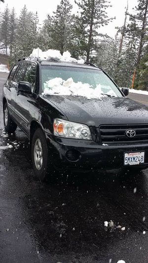 Toyota highlander 2005 for Sale in Los Angeles, CA