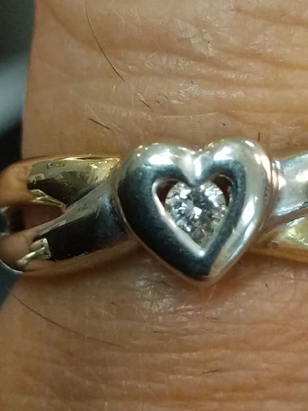TWO TONED SOLID GOLD DIAMOND HEART RING