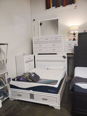 4 PC Queen Bedroom Set (Queen Bed, Dresser, Mirror, Nightstand Included), White for Sale in Westminster, CA