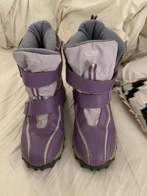 Girls snow boots size 4 for Sale in Lodi, CA