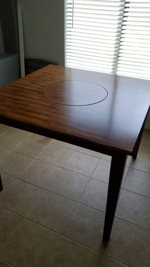 Kitchen table w/ lazy susan in the middle for Sale in Sun City, AZ