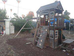 Play house/swing set for Sale in Hemet, CA