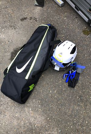Softball Set for Sale in Issaquah, WA