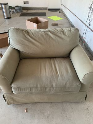 Free Couch for Sale in Riverside, CA