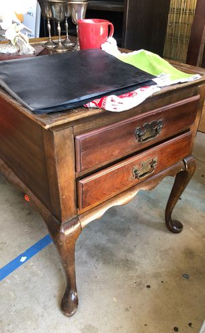 Antique Wooden Side Table for Sale in Agoura Hills, CA