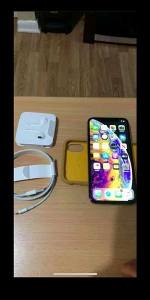 Iphone xs 64gb for Sale in Tyler, AL