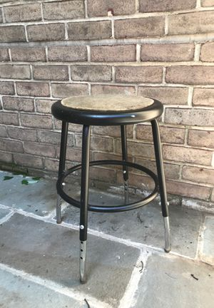 Metal stool for Sale in Washington, DC