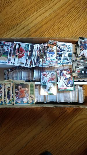 Box of baseball cards 2015-2019 for Sale in Clarksville, IN