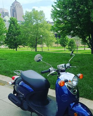 Yamaha Vino classic scooter LOW MILEAGE for Sale in Columbus, OH