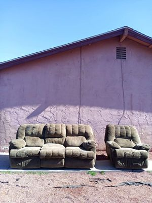 Affordable 2PC Sofa & Recliner Set (Free Delivery) for Sale in Las Vegas, NV