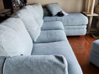 Light Frost Blue Lazy Boy Queen Sized Pillow Top Inflatable Sleeper Sofa With Chase And Ottoman. for Sale in Westminster,  MD