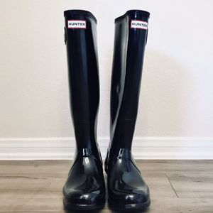 HUNTER Classic Tall Gloss Rain Boots Size 8 for Sale in San Diego, CA