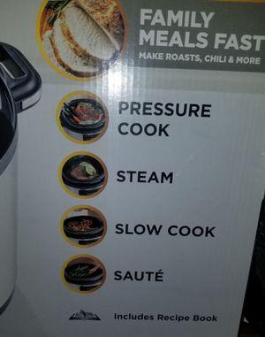 NEW. Express Multi cooker. 6 qt. Crock-pot for Sale in Brea, CA