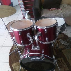 Drum Set DW Pacific 5 Piece Everything Included Price Dropped To Sell Fast for Sale in Port St. Lucie, FL