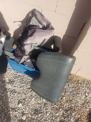 Selling weight bench and weights for Sale in Las Vegas, NV