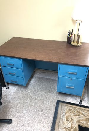 Desk for Sale in Annapolis, MD