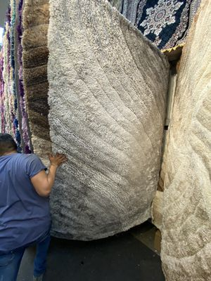 5x7 area Rugs carpet rugs shaggy super shaggy 3D carved long heavy pile modern design colors gray cream for Sale in Los Angeles, CA