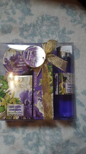 Lavender bathroom set for Sale in Madison, ME