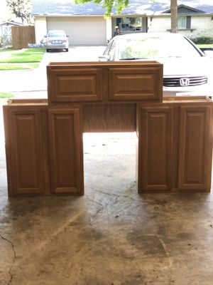 Kitchen Cabinets in Fantastic Condition for Sale in Dallas, TX