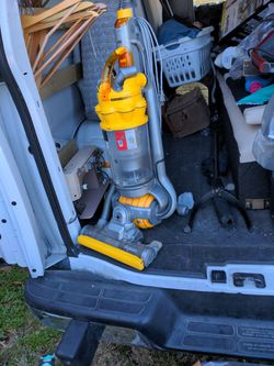 Dyson Vacuum Cleaner The Ball DC15 for Sale in Austin,  TX