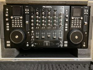 Prodigy fx B-52 cd mp3 DJ workstation fader mixer for Sale in Phoenix, AZ