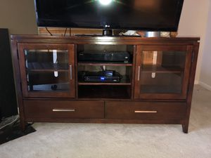 Wood tv stand for Sale in Clifton, VA