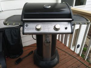 2 burner BBQ grill for Sale in Renton, WA