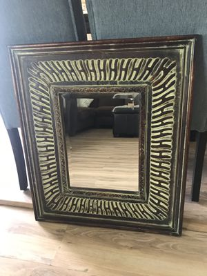 Gorgeous wall mirror for Sale in Goodyear, AZ
