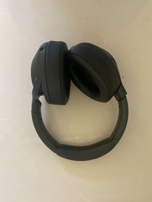Sony WH-XB900N/B Black Bluetooth Wireless Over-Ear Headphones for Sale in New Lenox, IL