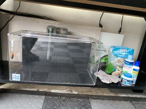 5.5 gallon clear for life acrylic fish tank for Sale in San Diego, CA