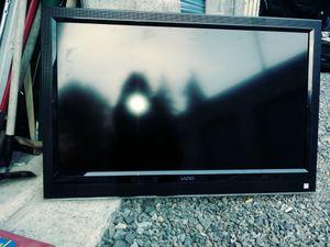 Vizio flatscreen television w/remote for Sale in Granite Falls, WA