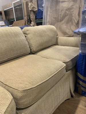 Couch good condition for Sale in Redland, MD