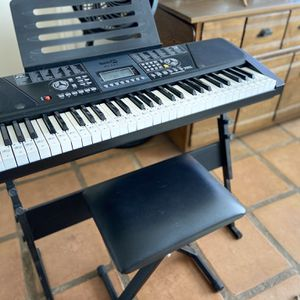 Learn How To Play The Key Board for Sale in CA, US