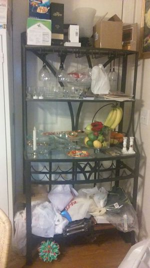 Kitchen cabinet for Sale in Lawrence, MA