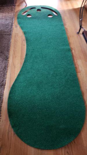 Putting green. for Sale in Renton, WA