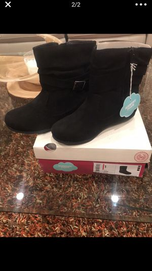 Girls Suede Black Boots (New) Size 1 for Sale in Hialeah, FL