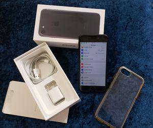 iPhone 7 32 GB Desbloqueado for Sale in San Diego, CA