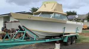 Glass ply 24 foot motor runs but leg went out bmw motor Diesel for Sale in Waianae, HI