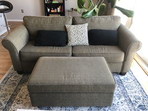 Lightly Used Pullout Couch for Sale in Denver, CO