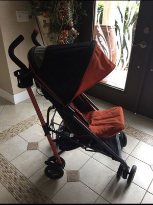 Zobo light weight stroller for Sale in Tamarac, FL