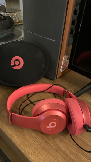 Beats by Dr. Dre Solo2 Wired Headphones Blush Rose Royal Edition for Sale in San Antonio, TX