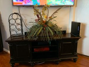 Wood Tv stand for Sale in Pembroke Pines, FL