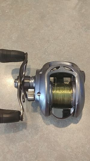 Daiwa Lexa 100 HL baitcasting fishing reel for Sale in Sumner, WA