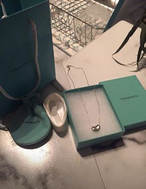 Tiffany & Co. Elsa Perretti Bean Pendent for Sale in Dunwoody, GA